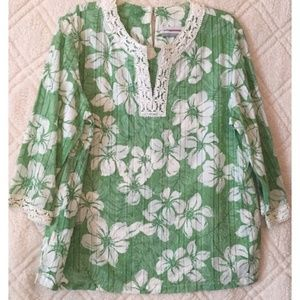 Alfred Dunner Green and White Floral Tunic